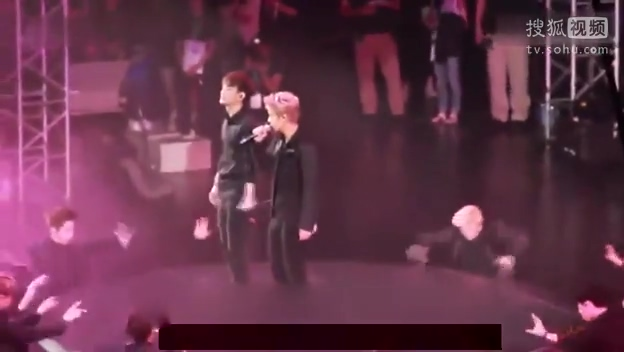 exo-m-月光-南京三星音乐节主-鹿晗饭拍版14_08_18