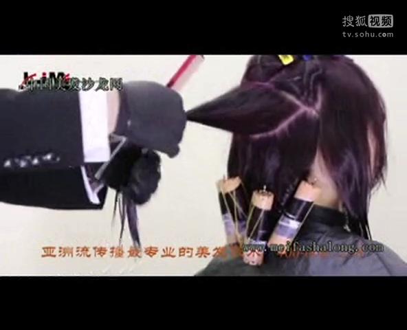 亚洲流剪发 女士短发修剪 烫发视频图片