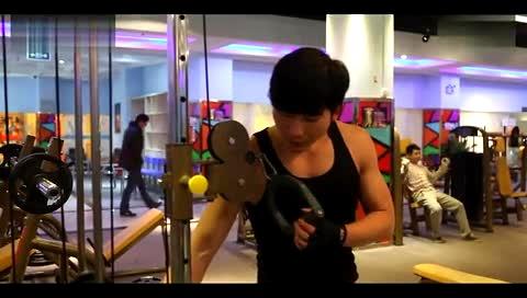 三和健身计划3:肩与腰腹肌锻炼方法