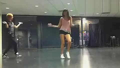 韩国美女主播朴妮唛 视频在线观看