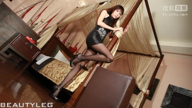 Jill美腿写真HD0103 新婚少妇在家闲得慌穿黑紧身短裙勾引老公做爱做的事儿在线免费观看