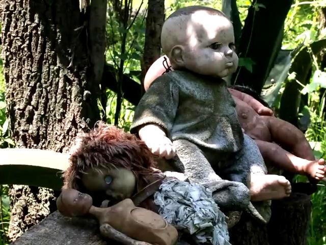 墨西哥娃娃岛遍布惊悚玩偶