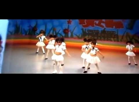 幼儿舞蹈教学视频 爱啦啦