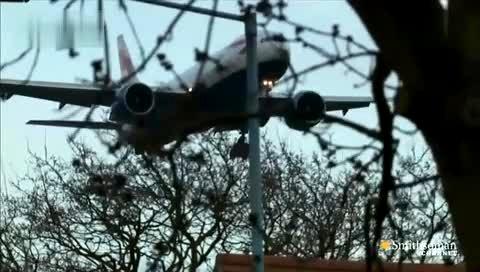 小伙用硬纸板制作波音777飞机模型-360视频搜索