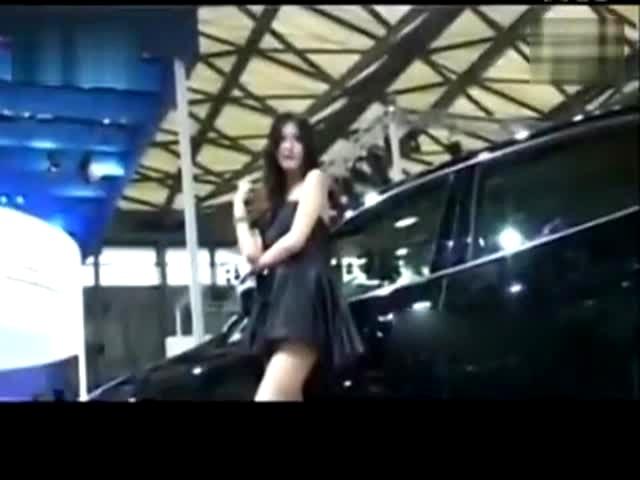 上海国际车展标致展厅车模专辑美女甩奶热舞诱惑