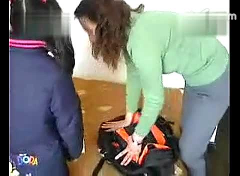 视频 女儿偷包子