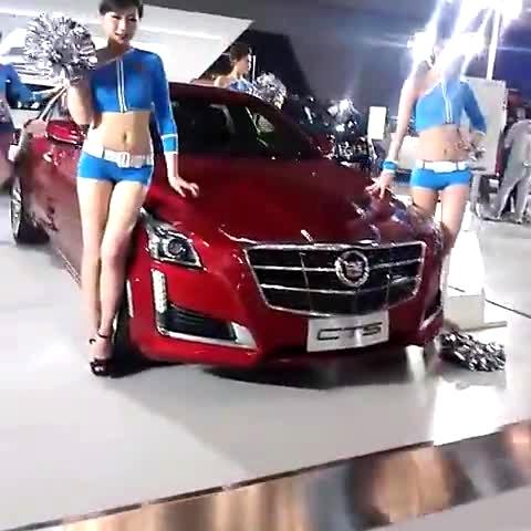 2014太原国际车展凯迪拉克展台热裤车模