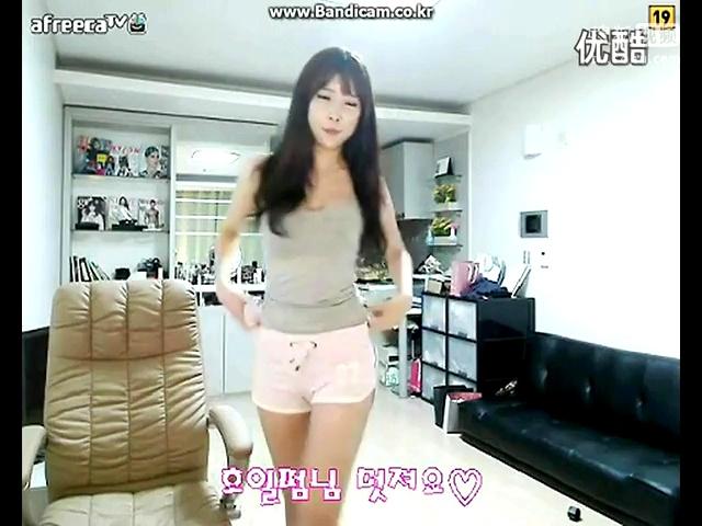 韩国青春无敌美少女小青韩国美女主播热舞诱惑自拍的