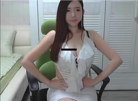 韩国女主播漏奶