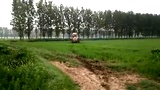 江苏盐城响水黄海农场第一管理区  王全志志信农机喷药机与撒肥机相结合 一机两用 效率高